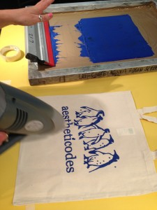 Lilli Cowley-Wood produced interactive tote bags and taught visitors how to screen print